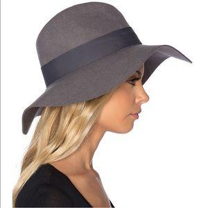 NWOT Brixton Gray Wool Piper Hat